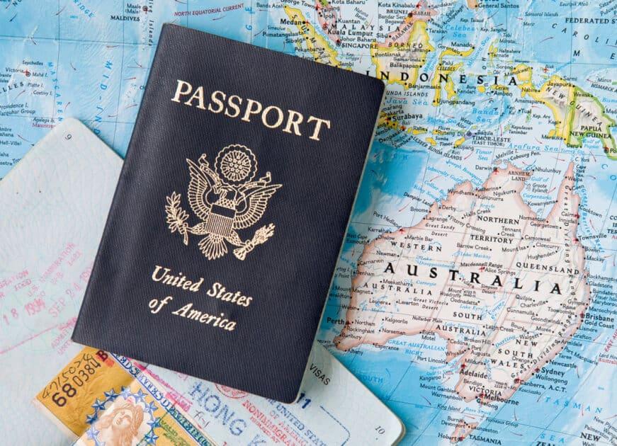 Какво се случва когато единият родител живее в чужбина, а другият самоволно се премести с детето в България