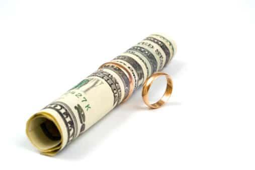Купувачите съпрузи по предварителен договор